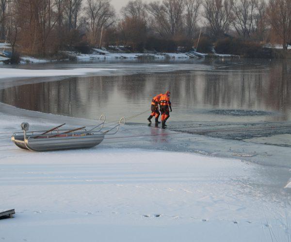 vorgehender Rettungstrupp / Bild: Glaser